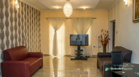 Kings Avenue Serviced Apartment